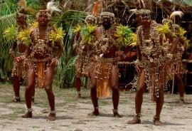 Zu Bross dance performers